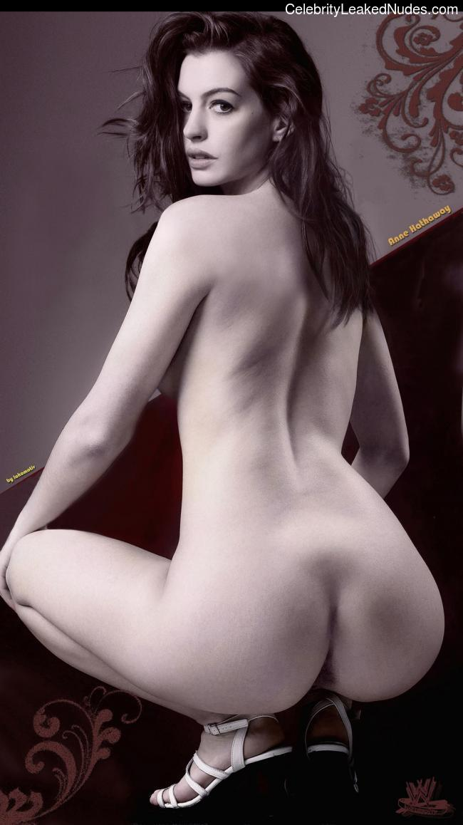 Celebrity Nude Pic Anne Hathaway 10 pic