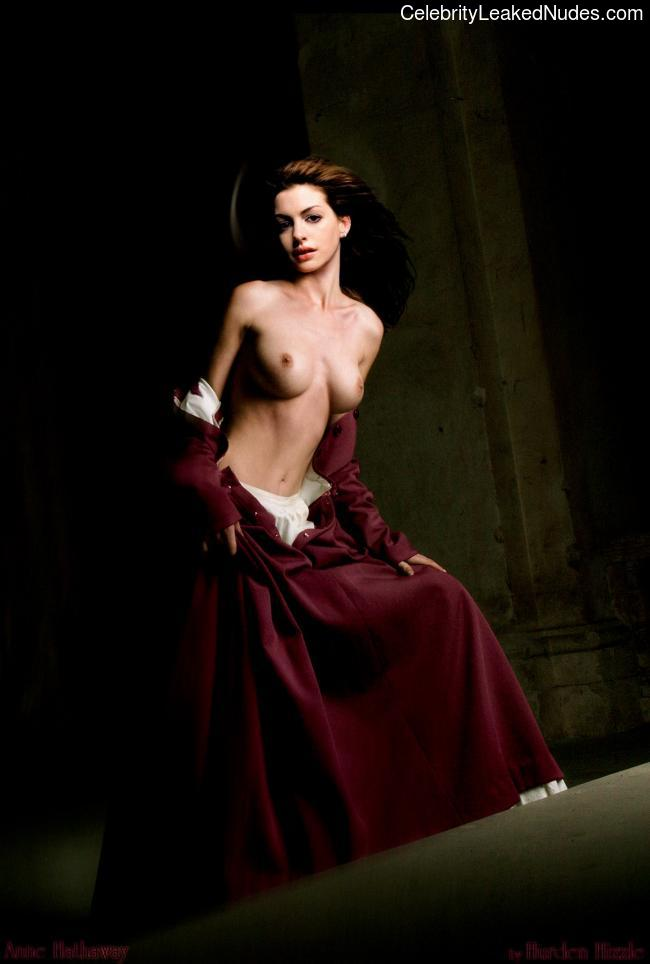 Real Celebrity Nude Anne Hathaway 14 pic