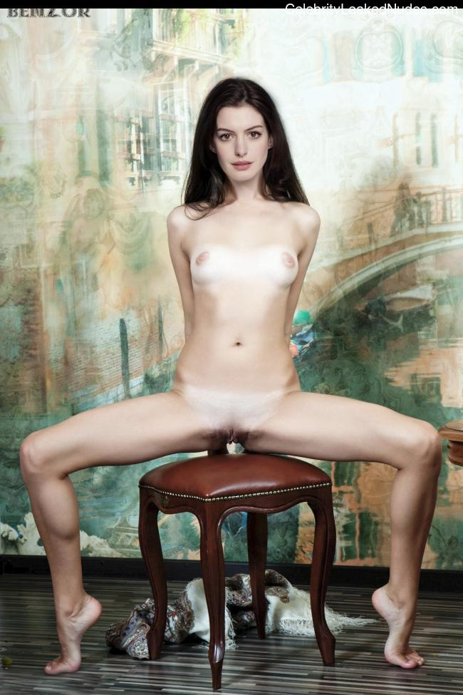Celeb Naked Anne Hathaway 2 pic