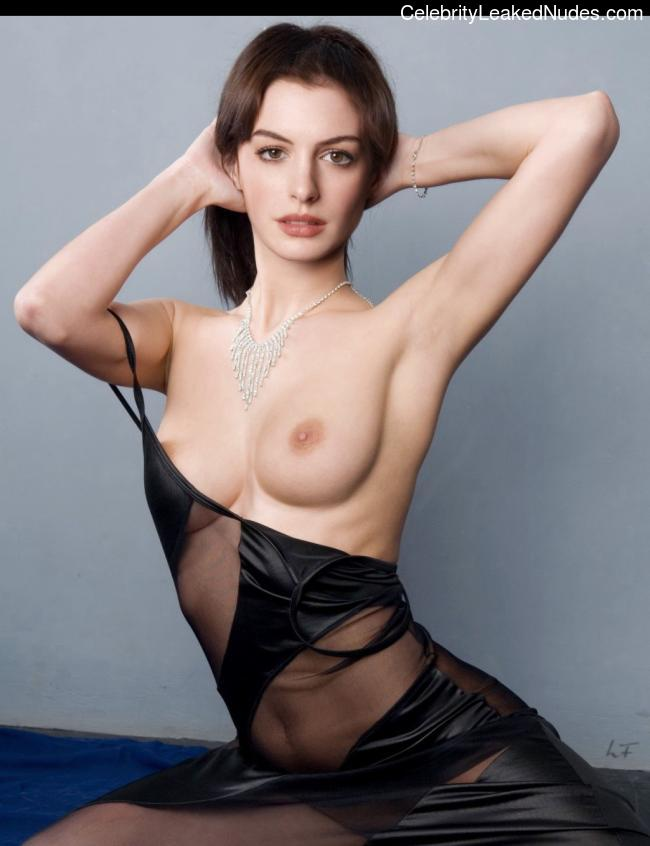Celebrity Nude Pic Anne Hathaway 23 pic
