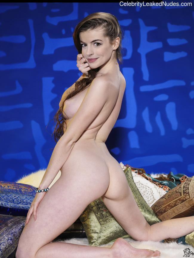 Celeb Naked Anne Hathaway 7 pic