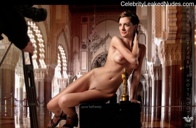 Naked Celebrity Anne Hathaway 5 pic