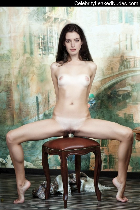 Newest Celebrity Nude Anne Hathaway 14 pic