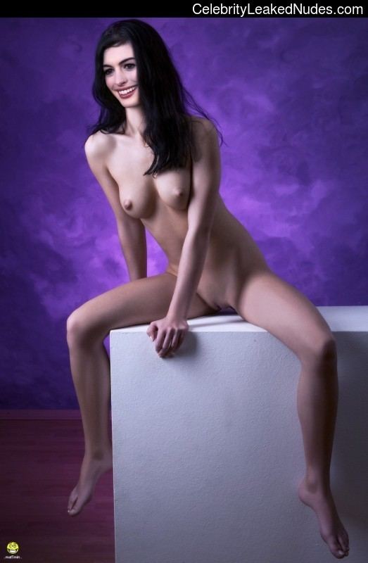 fake nude celebs Anne Hathaway 5 pic