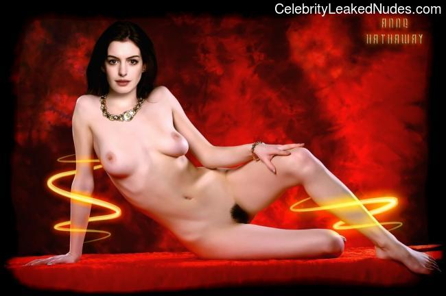 Free Nude Celeb Anne Hathaway 8 pic