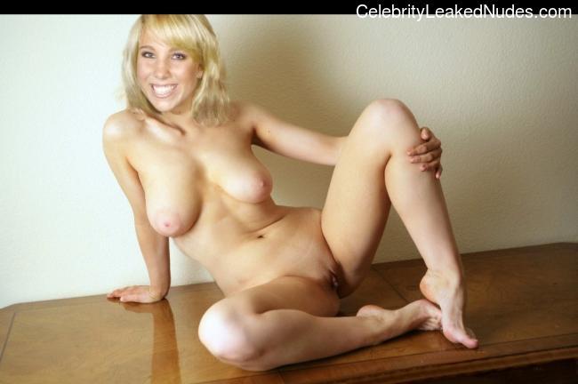 Celeb Nude Annemarie Eilfeld 3 pic