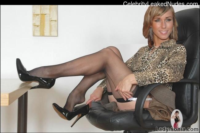 Nude Celeb Annemarie Warnkross 19 pic