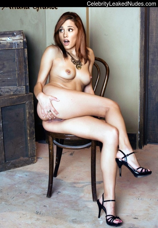 naked Ariana Grande 14 pic