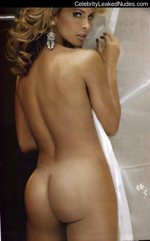 Nude Celebrity Picture Aylin Mujica 3 pic