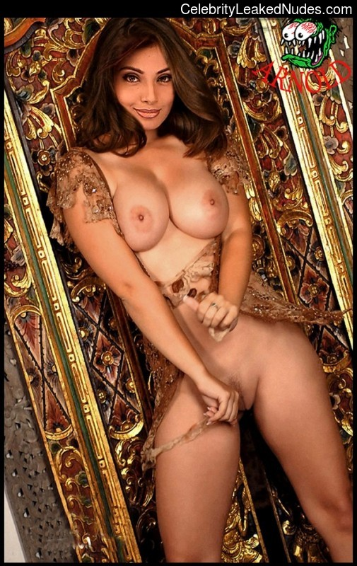 young nudist model pussy
