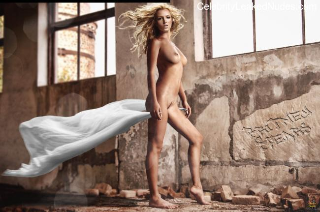 Free Nude Celeb Britney Spears 2 pic