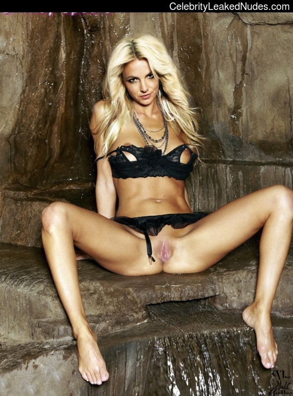 Naked celebrity picture Britney Spears 17 pic