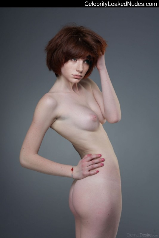 naked Bryce Dallas Howard 1 pic