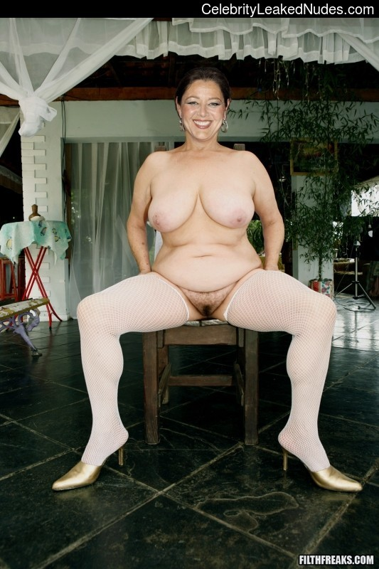 Celebrity Naked Camryn Manheim 1 pic