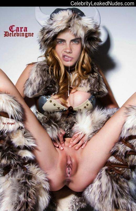 Cara Delevingne naked celebritys