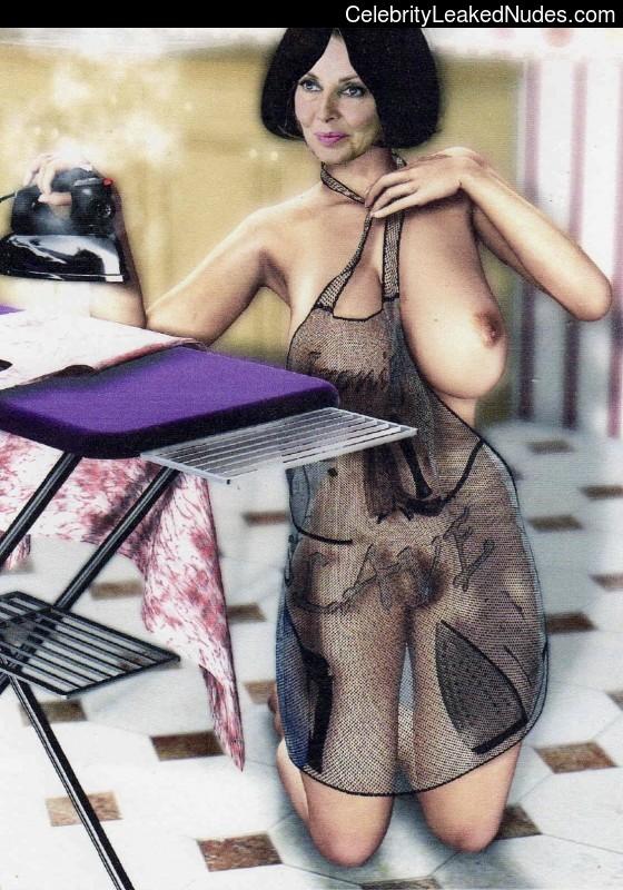 Naked Celebrity Carol Vorderman 7 pic