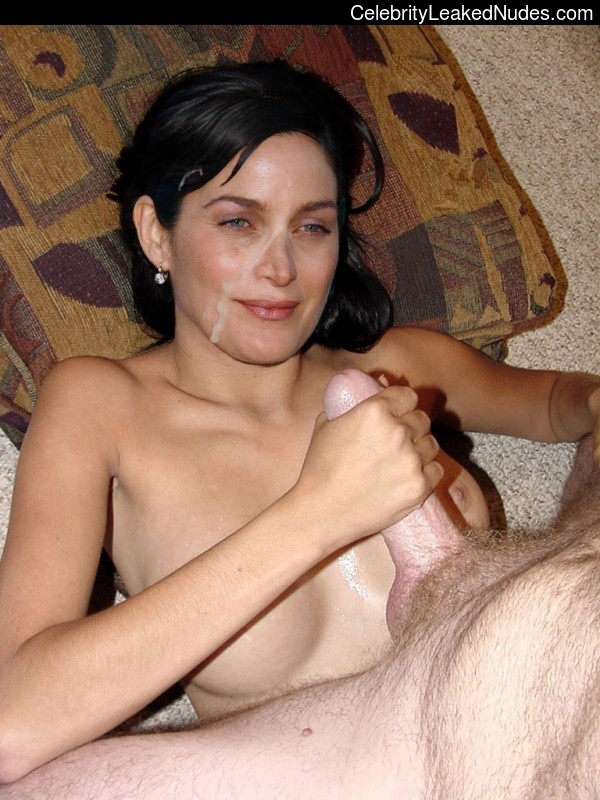Carrie Anne Moss nude celebrities