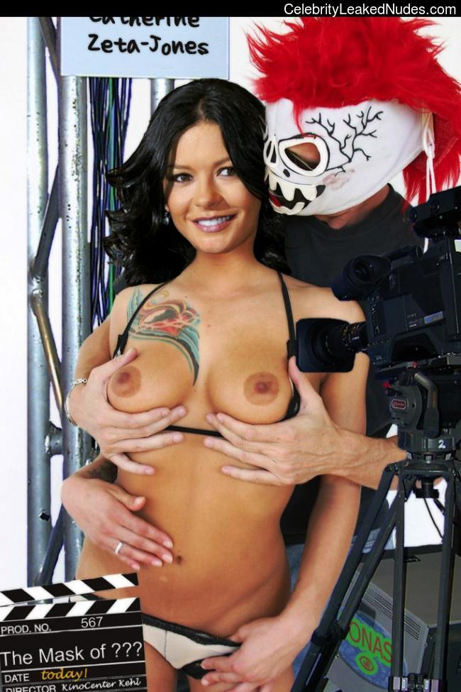 naked Catherine Zeta-Jones 14 pic