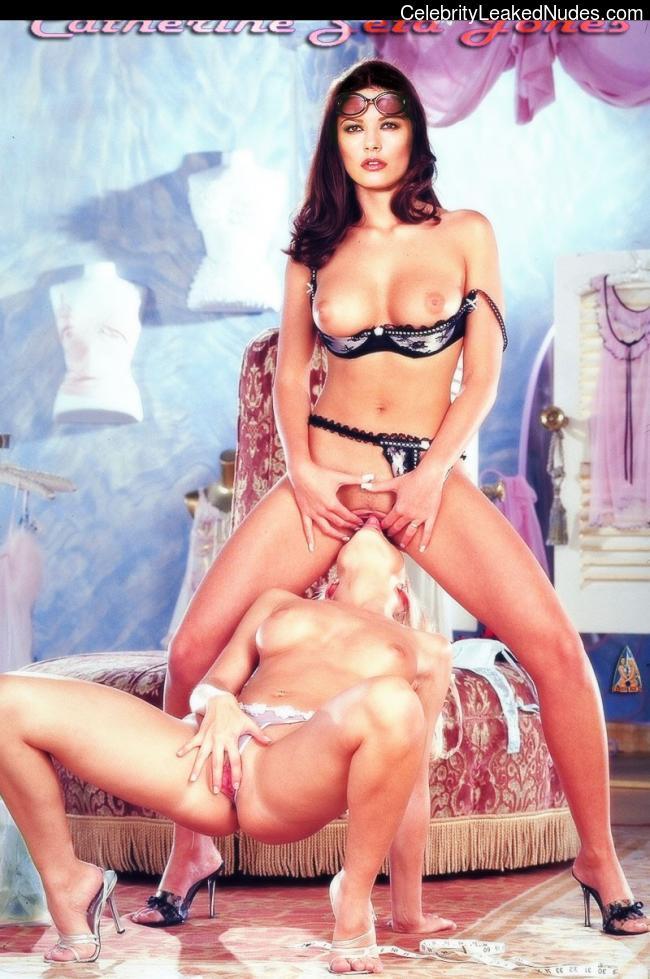 Celebrity Nude Pic Catherine Zeta-Jones 21 pic