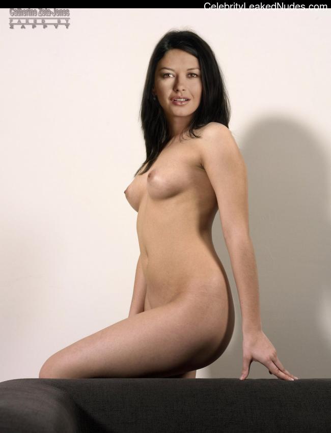 Free nude Celebrity Catherine Zeta-Jones 23 pic