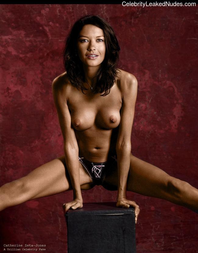Nude Celebrity Picture Catherine Zeta-Jones 24 pic