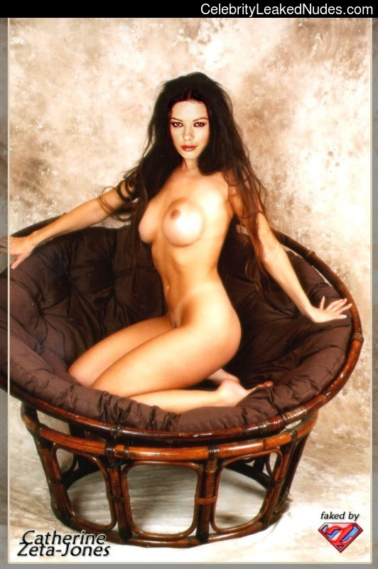 Catherine Zeta Jones Nude Pic 34