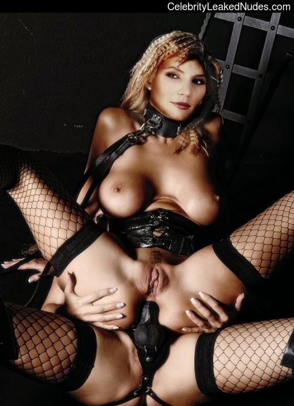 fake nude celebs Charisma Carpenter 20 pic