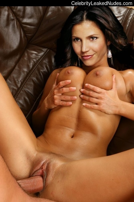 Newest Celebrity Nude Charisma Carpenter 22 pic