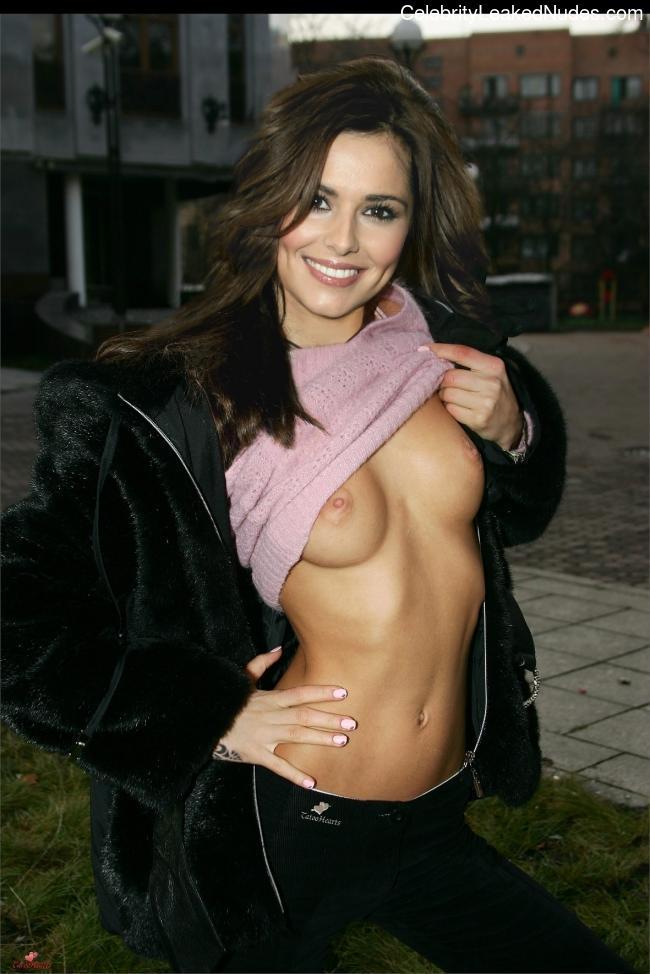 Hot Naked Celeb Cheryl Cole (née Tweedy) 21 pic