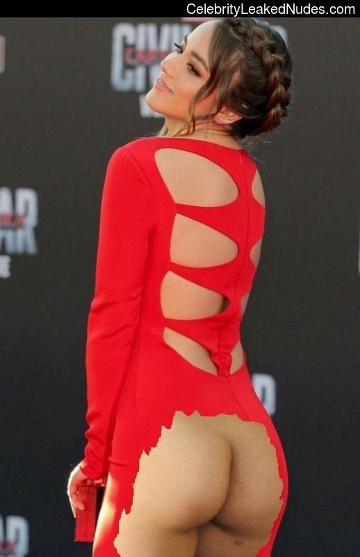 naked Chloe Bennet 7 pic