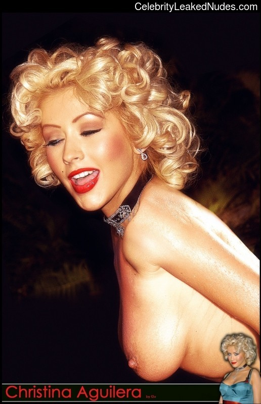 Naked Celebrity Christina Aguilera 14 pic