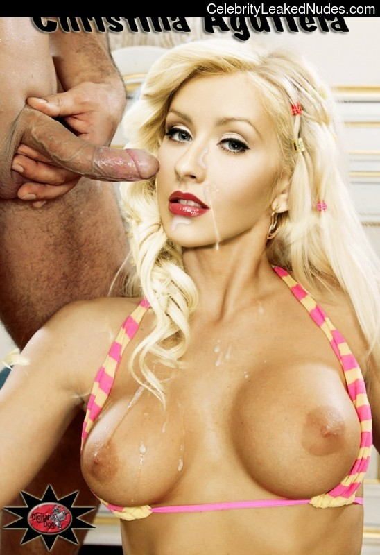 Naked Celebrity Christina Aguilera 3 pic
