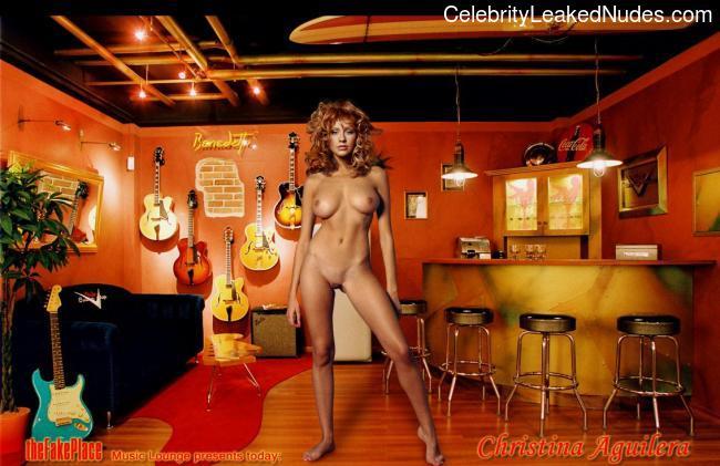 Free Nude Celeb Christina Aguilera 17 pic