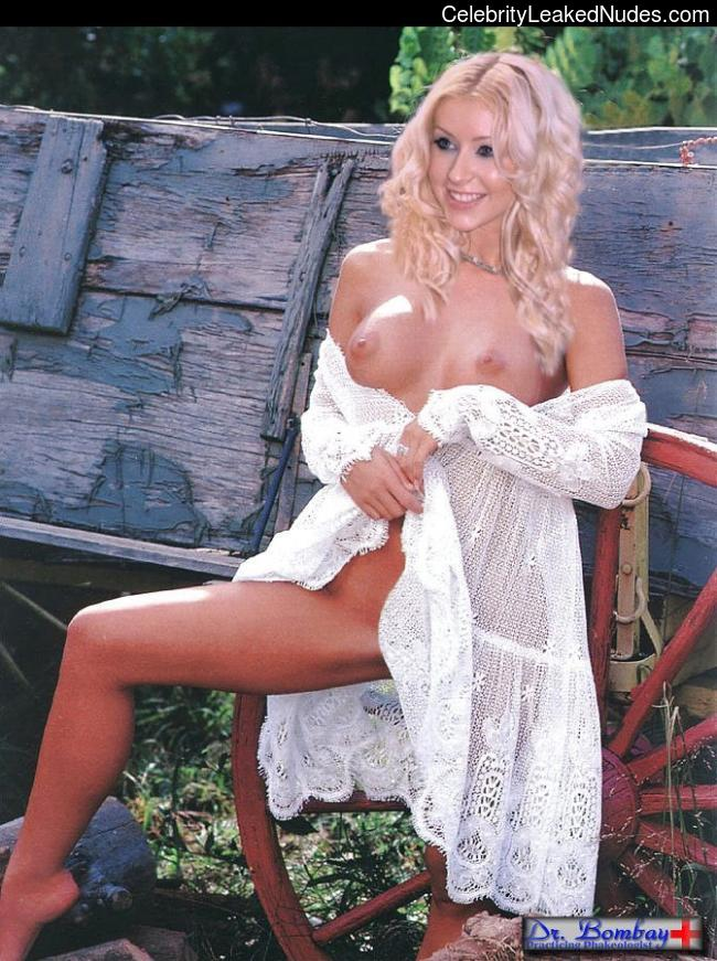 Nude Celebrity Picture Christina Aguilera 21 pic