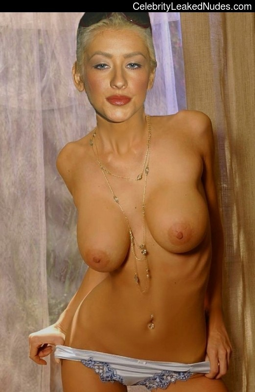Real Celebrity Nude Christina Aguilera 28 pic
