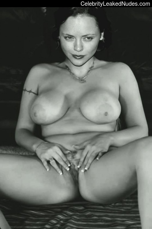 critina ricci real nude photos