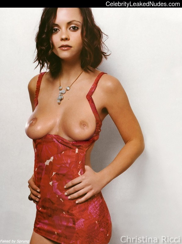Naked celebrity picture Christina Ricci 29 pic