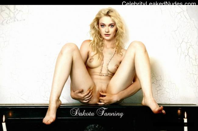 nude celebrities Dakota Fanning 1 pic