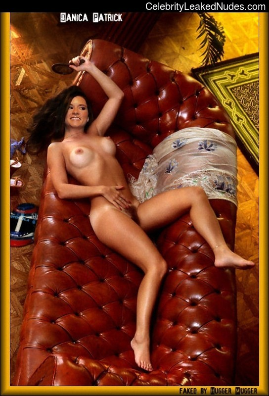 naked Danica Patrick 18 pic