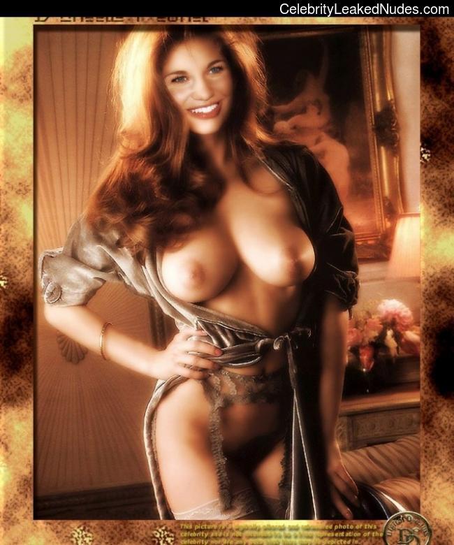 danielle fishel nude pics