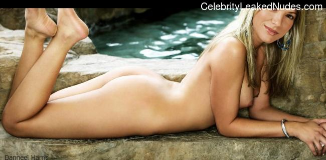 Naked Celebrity Pic Danneel Harris 20 pic