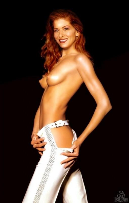 nude celebrities Debra Messing 13 pic