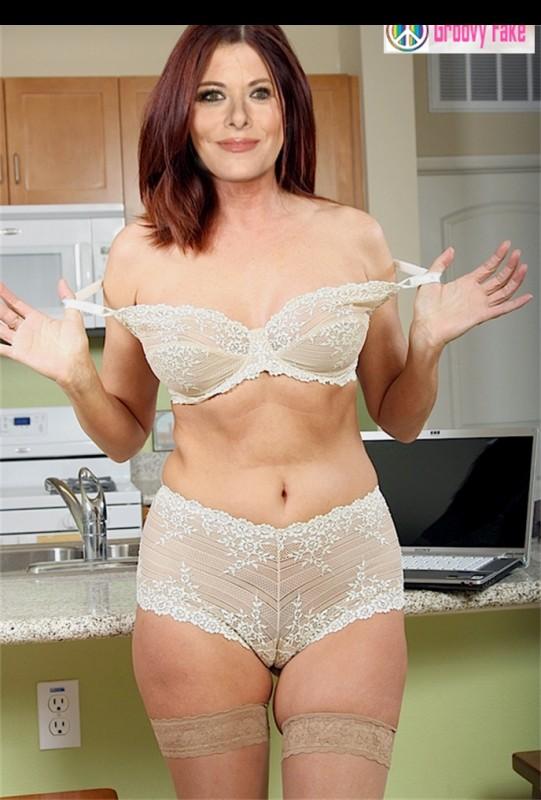 Naked Celebrity Debra Messing 6 pic