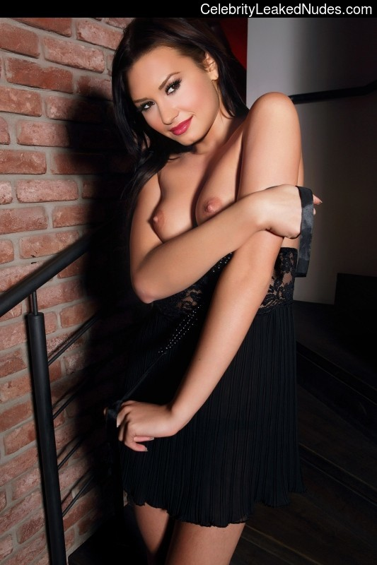 Celeb Naked Demi Lovato 5 pic