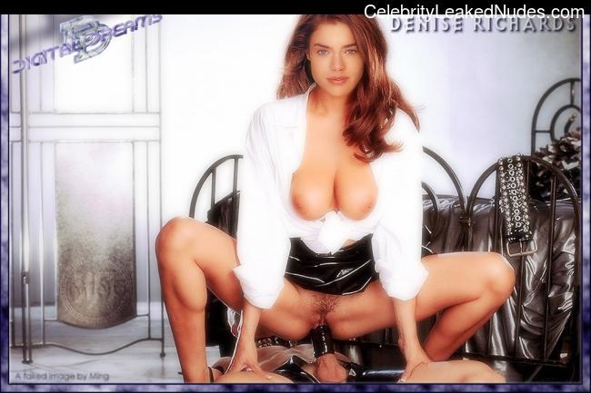 Hot Naked Celeb Denise Richards 20 pic