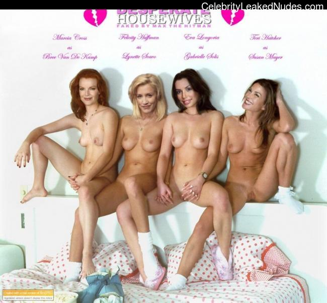 Naked Desperate Housewife 100