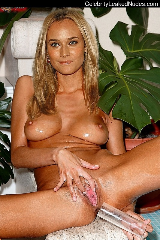 Naked celebrity picture Diane Kruger 28 pic