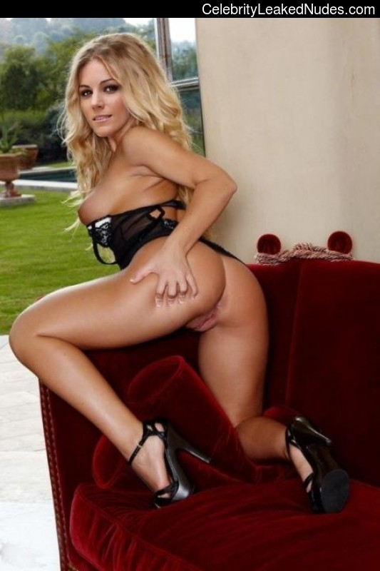 Edurne Garcia Almagro free nude celebrities