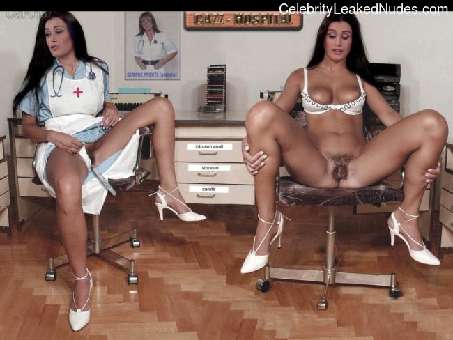 Naked Celebrity Elisa Triani 5 pic