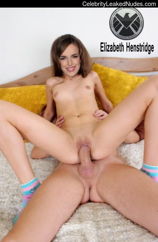 Newest Celebrity Nude Elizabeth Henstridge 2 pic